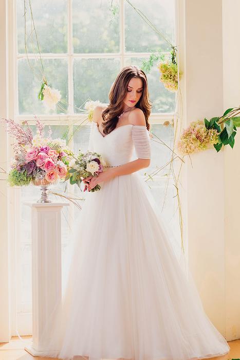 http-::www.glamourandgraceblog.com:2014:romantic-garden-wedding-inspiration: