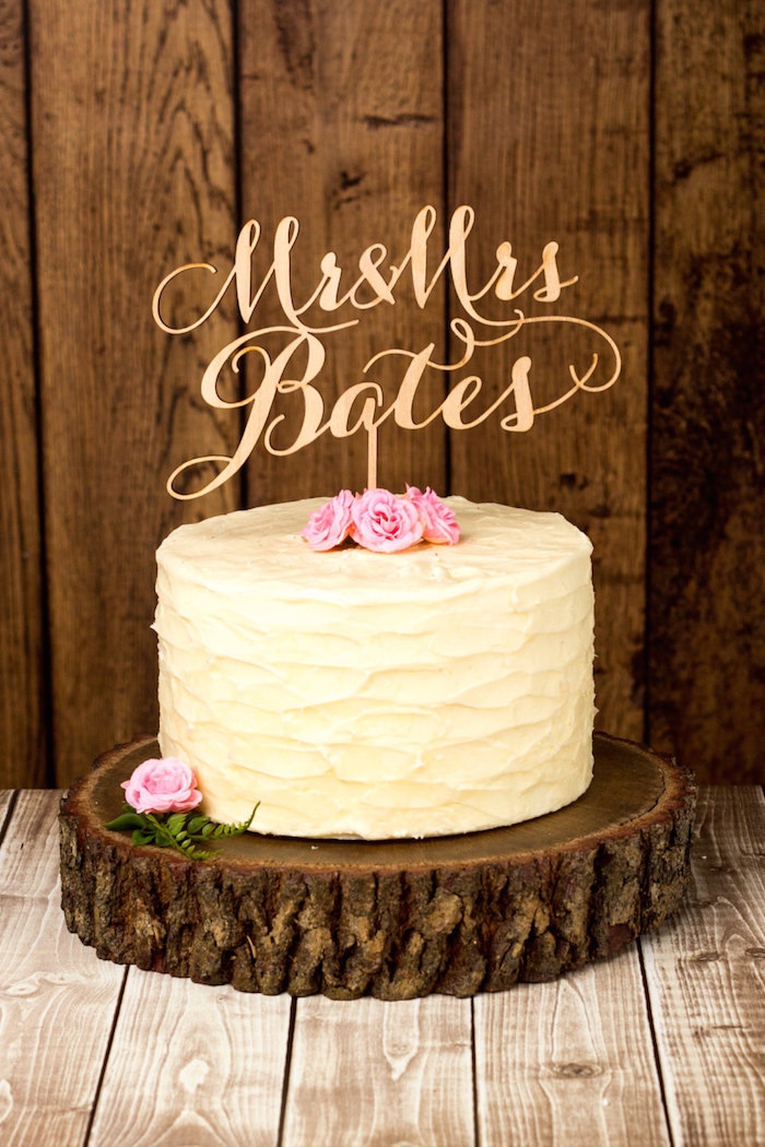 mr-and-mrs-cake-topper