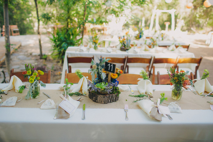 outdoor wedding reception table set-up
