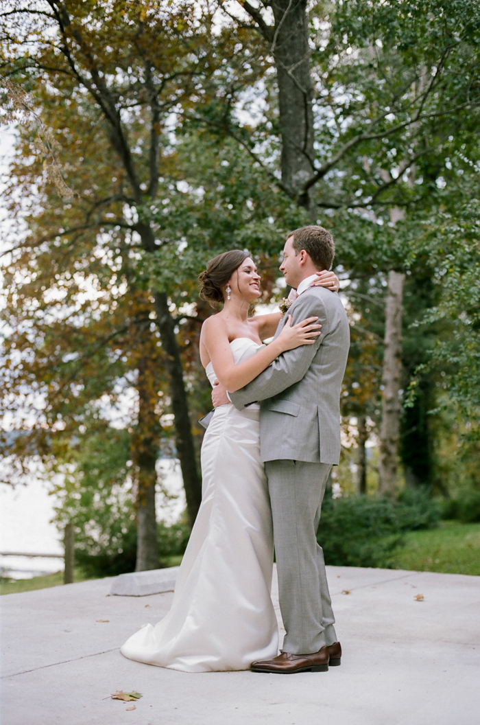 nashville lakeside wedding