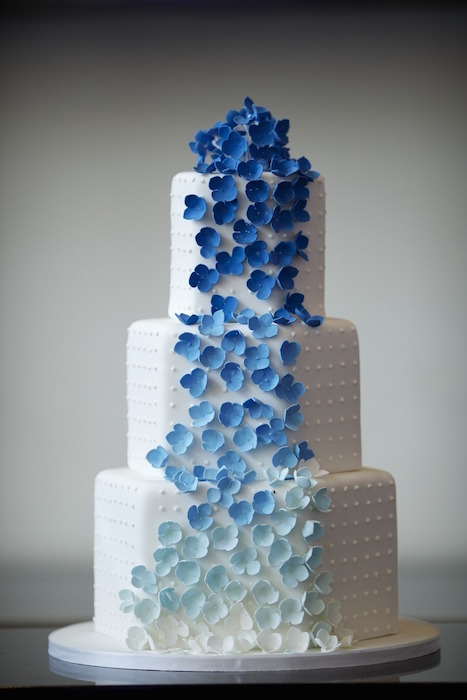 blue-ombre-wedding-cake