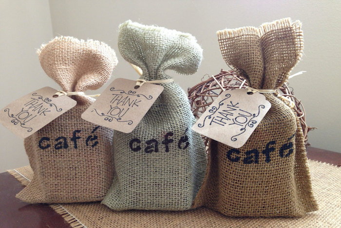 burlap-coffee-favor-bags