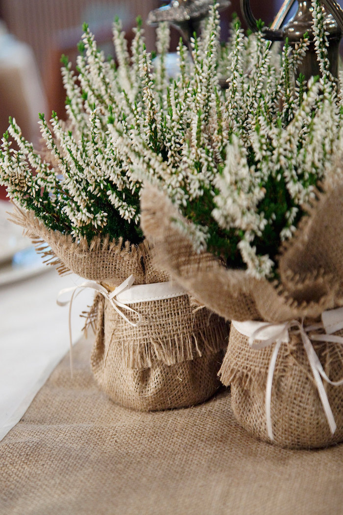 12 Burlap Wedding Decor Ideas