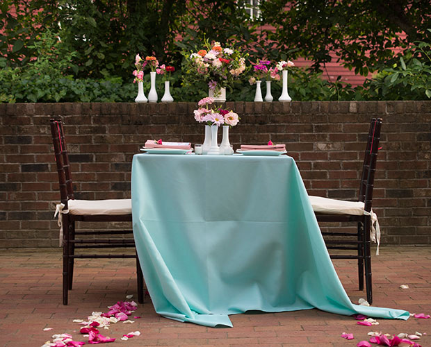intimate-massachusetts-wedding-venue-deerfield-inn-outdoor-space