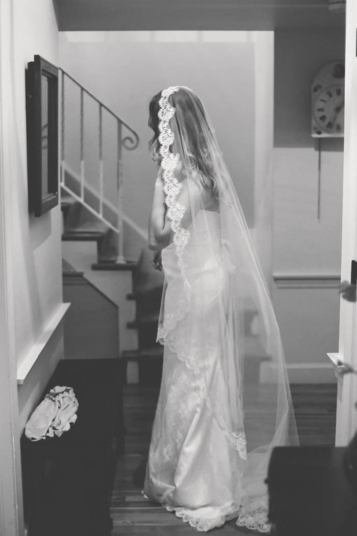 bride in mantilla lace veil