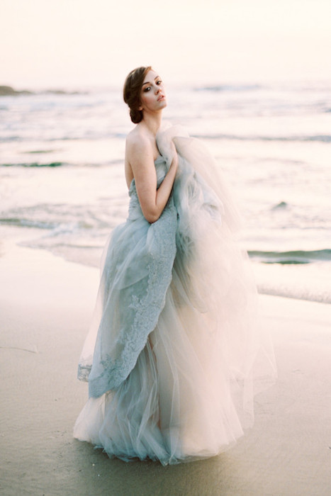 10 dreamy blue wedding dresses