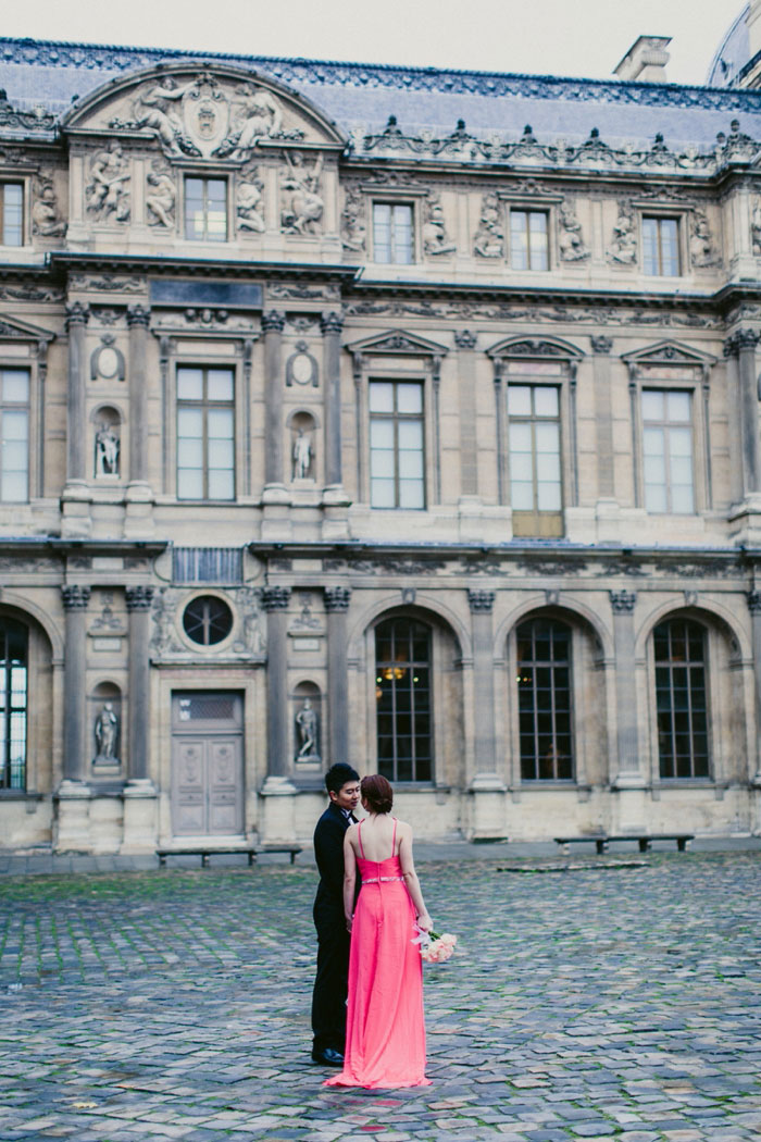 bride and groom by the Louvre