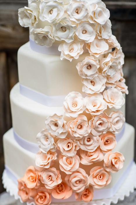 peach-floral-cake