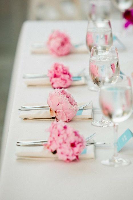 peony-table-setting