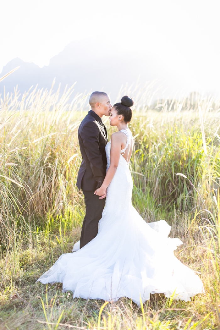 Elegant Wedding Photography: 16 Simple Weddings That Will Take Your Breath Away