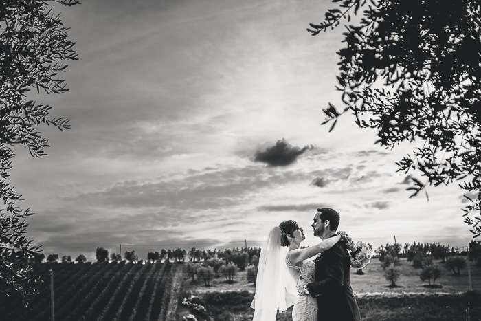 black and white portrait of bride and groom in Tuscany