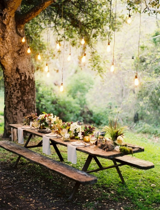dreamy outdoor picnic