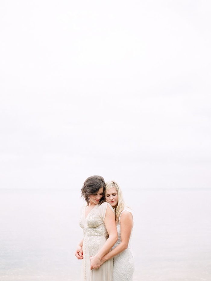 http://www.intimateweddings.com/wp-content/uploads/2015/06/same-sex-wedding-700x932.jpg