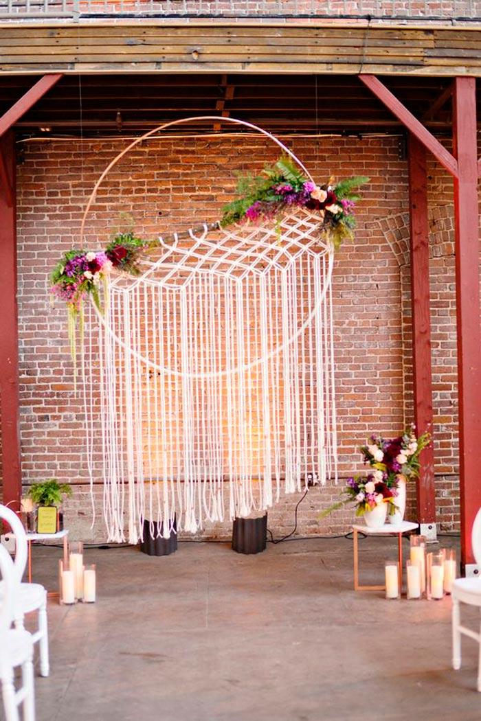 The macrame wedding 10 knotty wedding decor ideas for Altar wall decoration