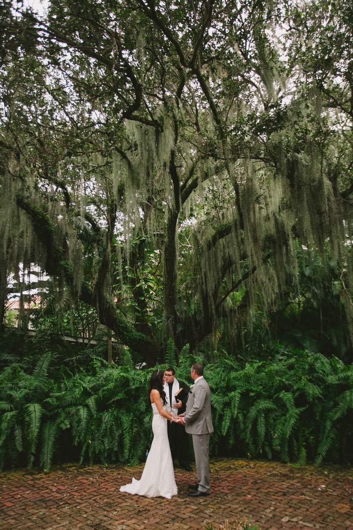 Fort Lauderdale outdoor wedding ceremony