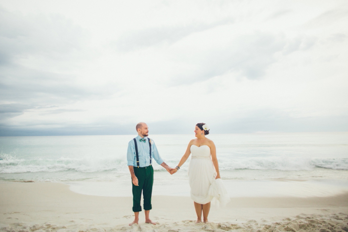 http://www.intimateweddings.com/wp-content/uploads/2015/07/intimate-destin-florida-beach-wedding-amy-colin-40.jpg