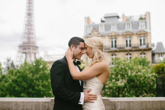 Paris elopement portrait