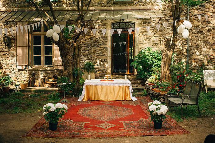 French courtyard wedding ceremony site