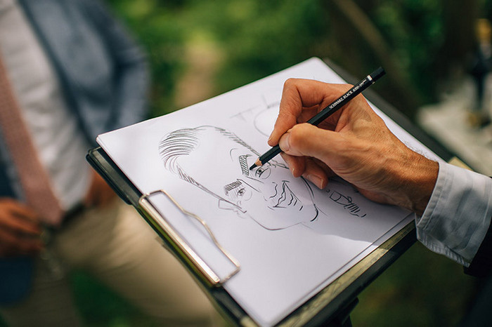 caricature artist at wedding