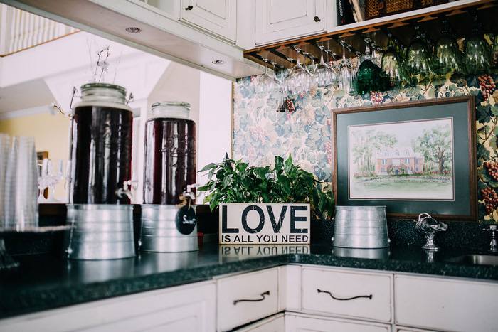 love sign in kitchen