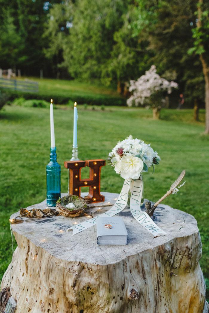 elopement ceremony table