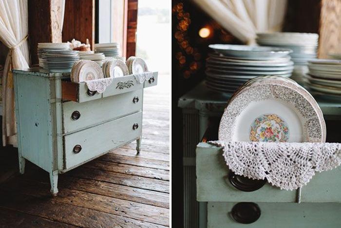 vintage dresser plate stand