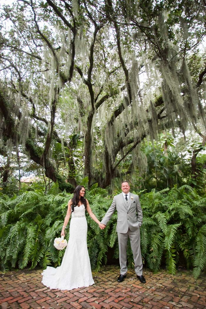 http://www.intimateweddings.com/wp-content/uploads/2015/09/fort-lauderdale-florida-destination-wedding-jenna-david-468-700x1050.jpg