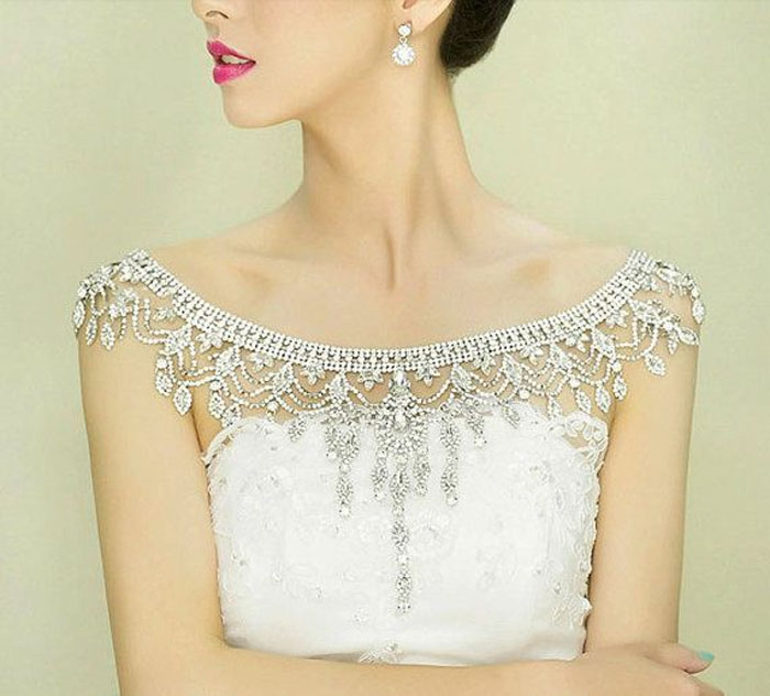 Crystal-Leaf-Shoulder-Necklace