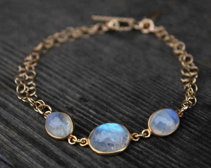 Gold-Moonstone-Bracelet