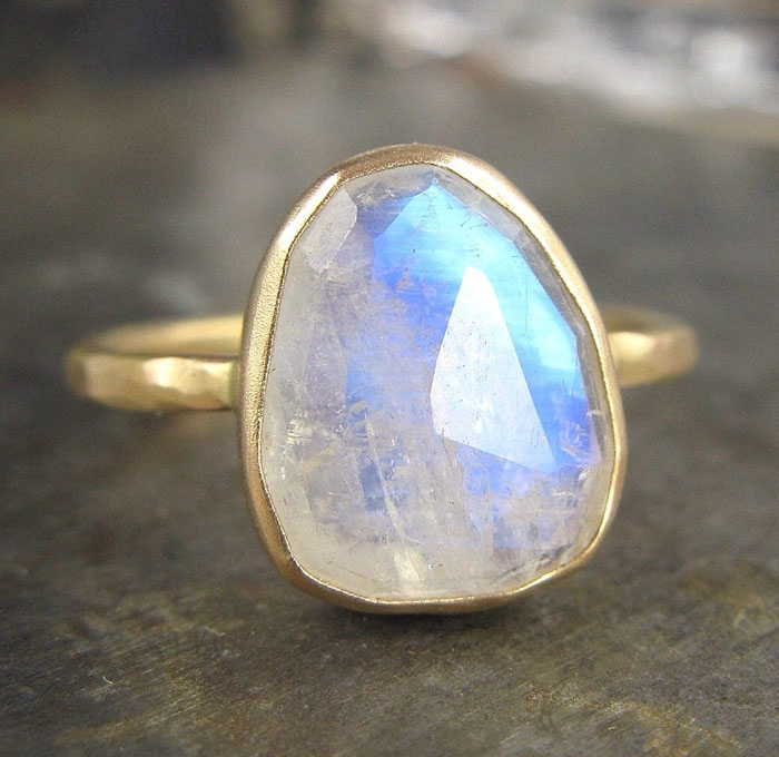 Gold-Moonstone-Ring
