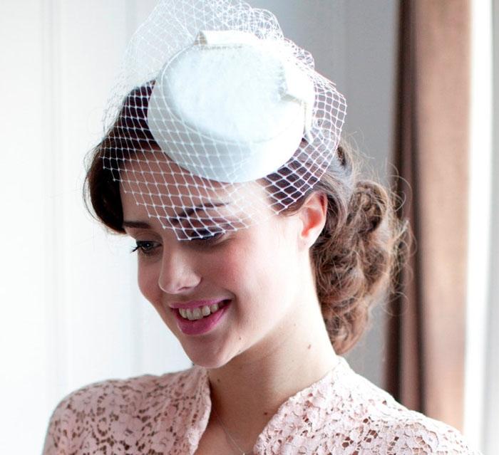 10 Bridal Hats and Fascinators c0eb43269c5