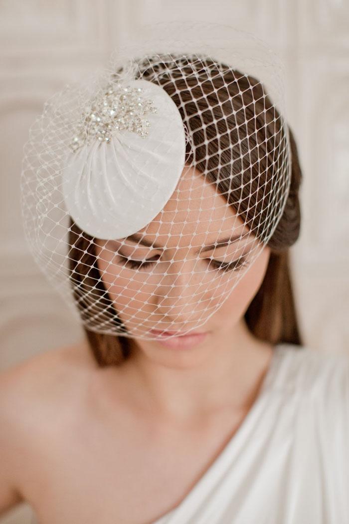 Rhinestones-headpiece-veil
