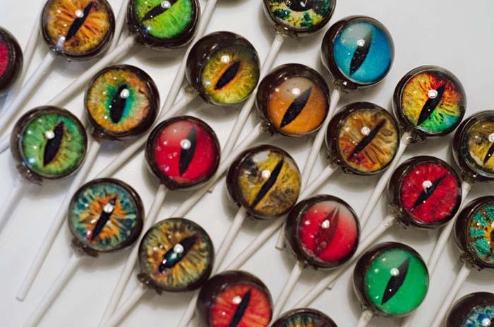Unique-Creature-Eye-Lollipops