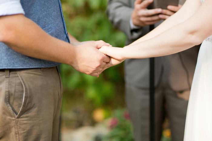 backyard-seattle-intimate-wedding-emily-billy_3303