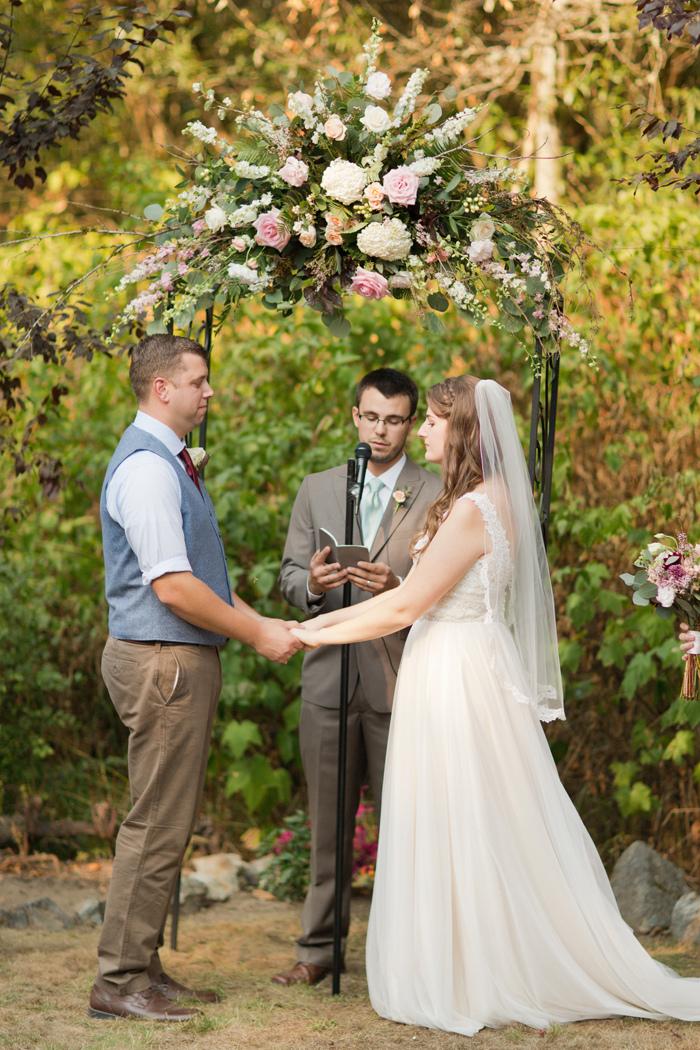 backyard-seattle-intimate-wedding-emily-billy_3339
