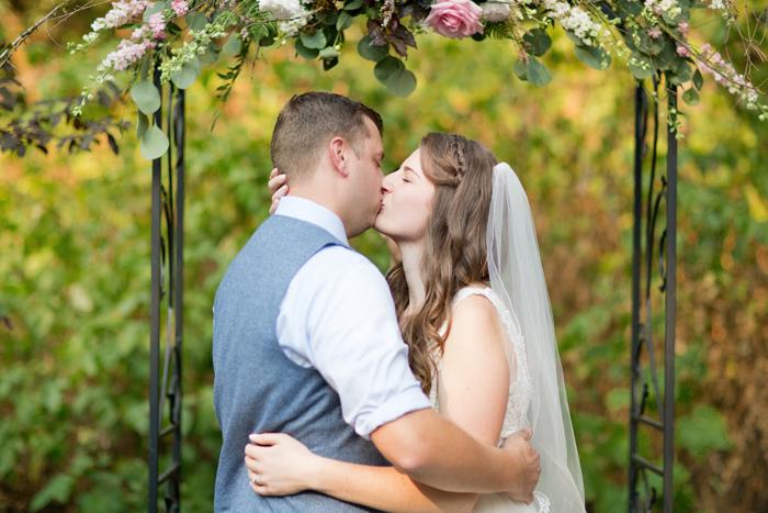 backyard-seattle-intimate-wedding-emily-billy_3379