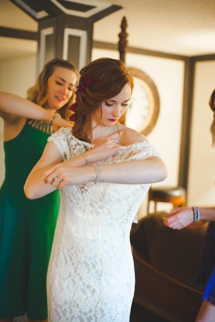 intimate-arkansas-wedding-thorncrown-chapel-Lenzi_and_Chris_21