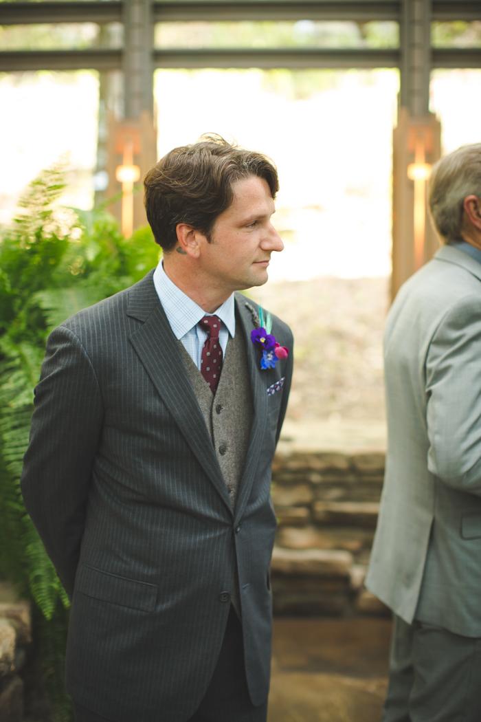 intimate-arkansas-wedding-thorncrown-chapel-Lenzi_and_Chris_34