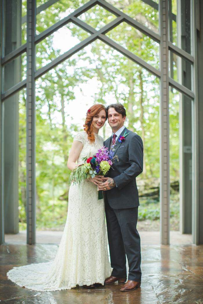intimate-arkansas-wedding-thorncrown-chapel-Lenzi_and_Chris_45