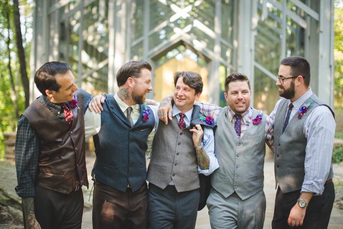 intimate-arkansas-wedding-thorncrown-chapel-Lenzi_and_Chris_47