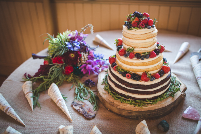 intimate-arkansas-wedding-thorncrown-chapel-Lenzi_and_Chris_71