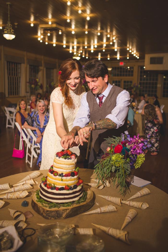 intimate-arkansas-wedding-thorncrown-chapel-Lenzi_and_Chris_74