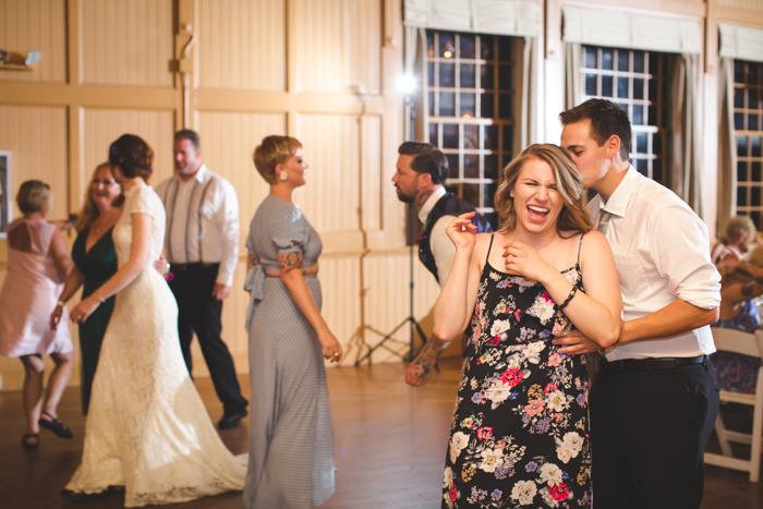 intimate-arkansas-wedding-thorncrown-chapel-Lenzi_and_Chris_82