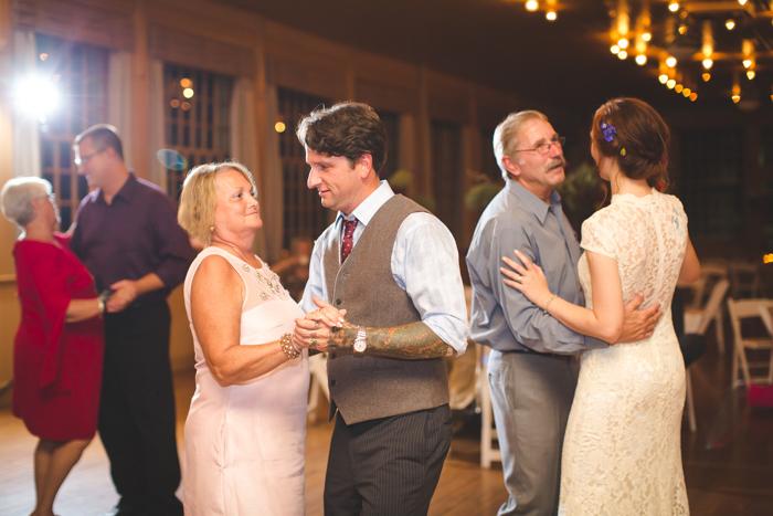 intimate-arkansas-wedding-thorncrown-chapel-Lenzi_and_Chris_86