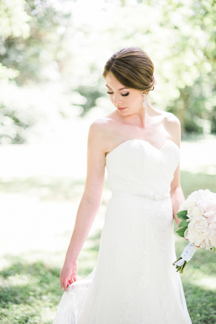 Chapel-Hill-NC-intimate-restaurant-wedding-jonathan-ali-0028