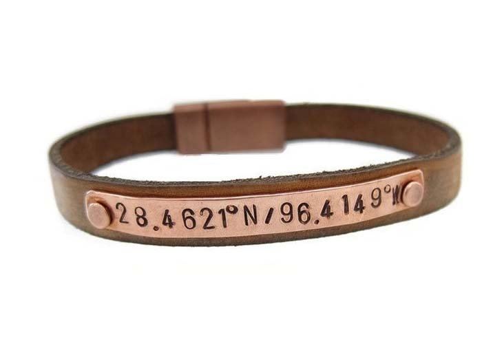 Christmas-Engraved-Bracelet