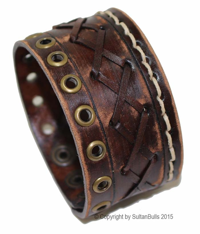 Christmas-Leather-Bracelet