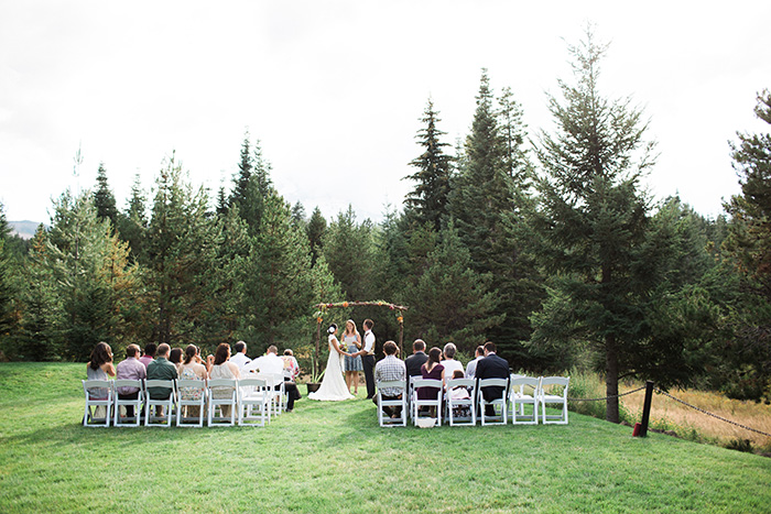 Mount-Hood-Oregon-backyard-wedding-Kristin-Gregory-17