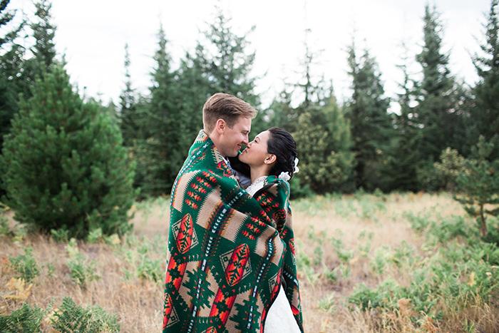 Mount-Hood-Oregon-backyard-wedding-Kristin-Gregory-2