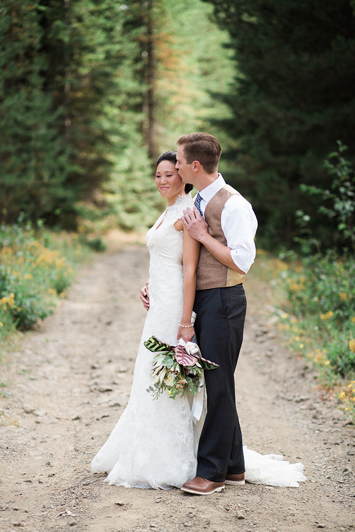 Mount-Hood-Oregon-backyard-wedding-Kristin-Gregory-29